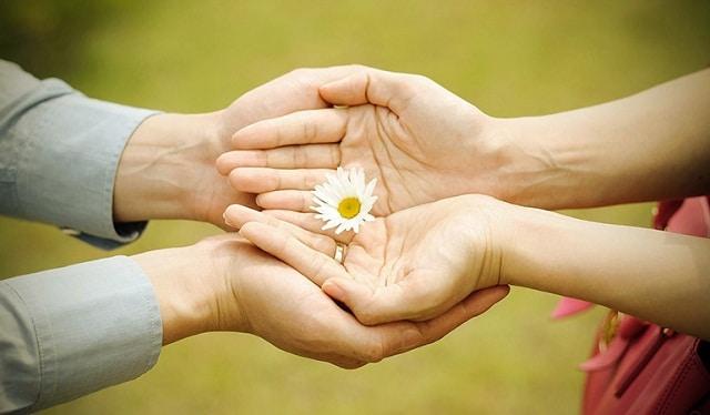 Giá trị cuộc sống chính là cho đi và nhận lại yêu thương