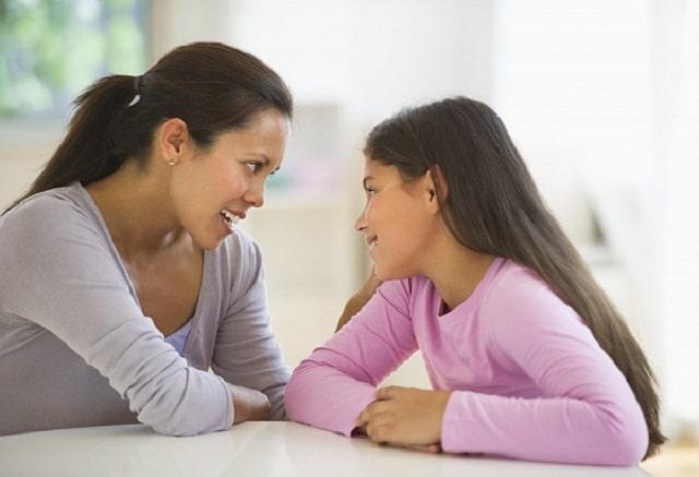 Bố mẹ hãy lắng nghe và trò chuyện với con nhiều hơn
