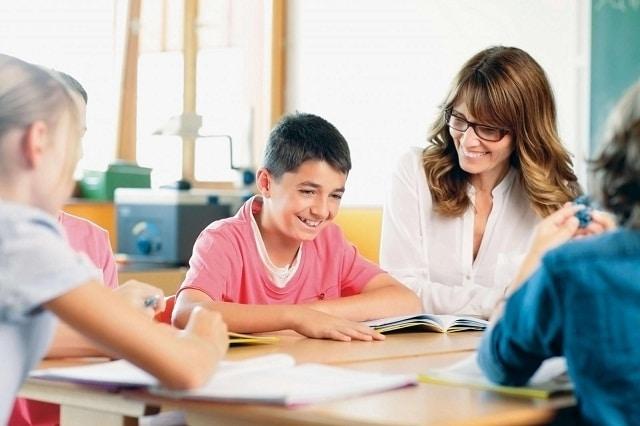 Cần có những giải pháp cụ thể để giáo dục cho học sinh tiểu học kỹ năng sống cần thiết