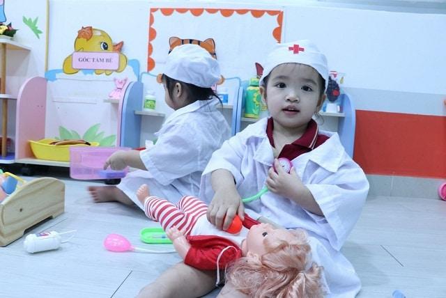 Giáo dục kỹ năng sống cho trẻ qua các hoạt động sáng tạo