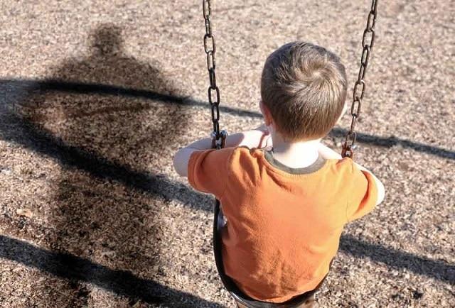 Dạy trẻ nói với bố mẹ về việc mình bị đe dọa, cảm thấy không an toàn