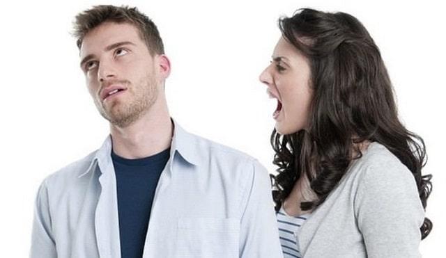 Không nên nói chuyện quá nhanh, đặc biệt là khi đang có việc gấp