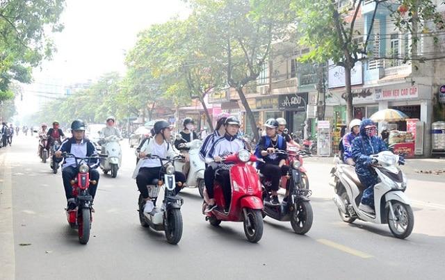 Muốn sinh tồn tại Sài Gòn, bạn cần học theo văn hóa chấp hành luật giao thông