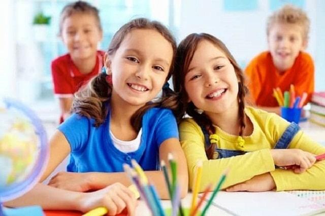 Trẻ sẽ được học lý thuyết kết hợp với ngoại khóa để cảm nhận sâu sắc hơn về những gì mình được dạy