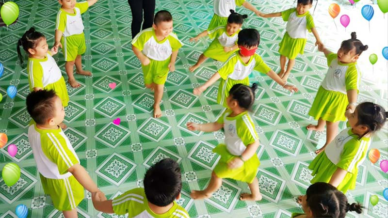 Trò chơi Bịt mắt bắt dê hấp dẫn với mọi lứa tuổi